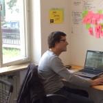 junge Deutsche 2015 - Benedikt Brandl in der Gründervilla am Auswerten der Daten