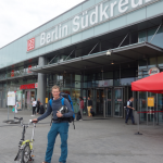 Junge Deutsche - Mobilität per Bahn - Berlin Südkreuz